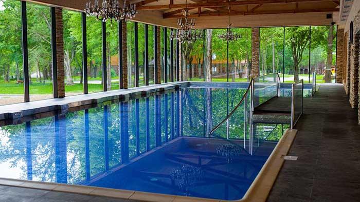 Отель с бассейном в Солнечногорском районе