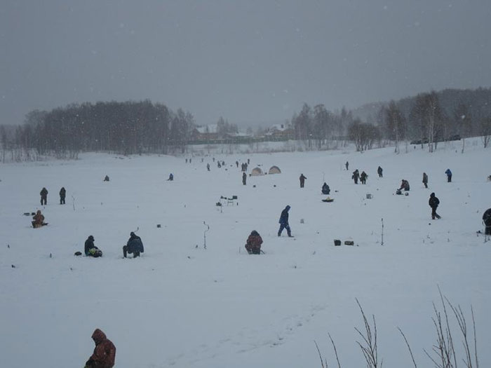 зимняя рыбалка в Триал Русская рыбалка