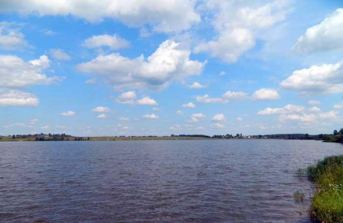 Большой платный пруд в Таболово