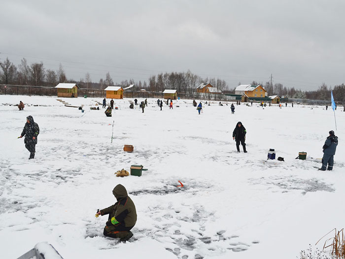 "Зимняя рыбалка на ""Озере Понти"""