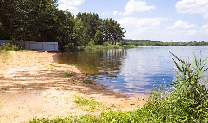 пляж на озере Круглое
