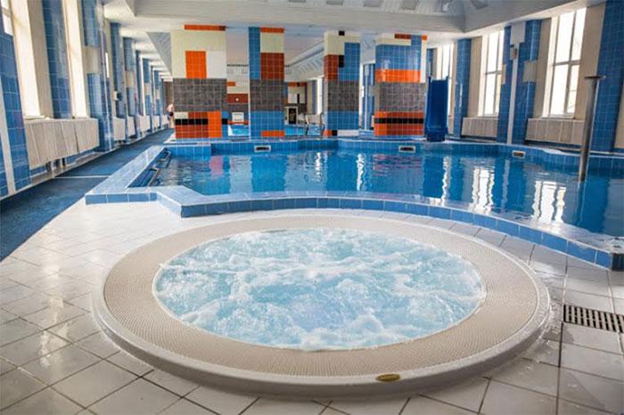 Отель с бассейном Спа-отель «Бекасово»