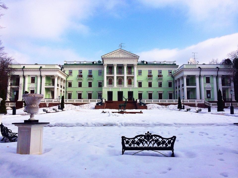 Новый год и зимние каникулы в парк-отеле «Морозовка»