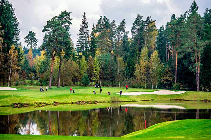 Осенние каникулы в шикарном гольф-клубе и отельном комплексе